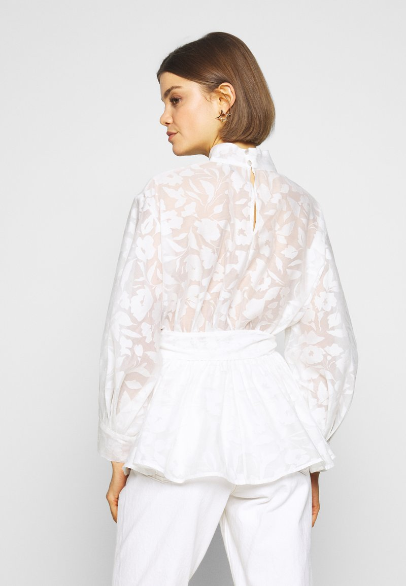 Nly by Nelly - BLOOM BLOUSE - Bluse - white