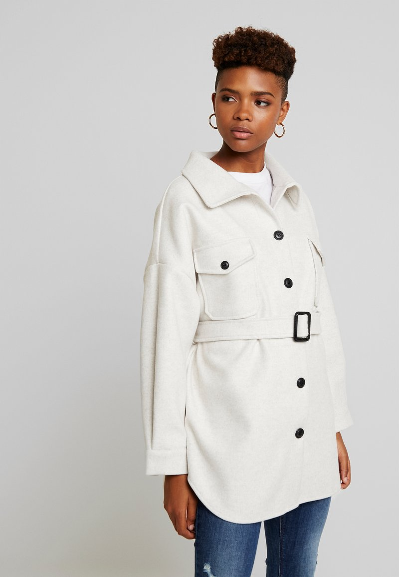Nly by Nelly - BELTED SHACKET - Pitkä takki - offwhite