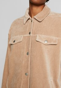 Nly by Nelly - SHACKET - Skjorte - beige - 4
