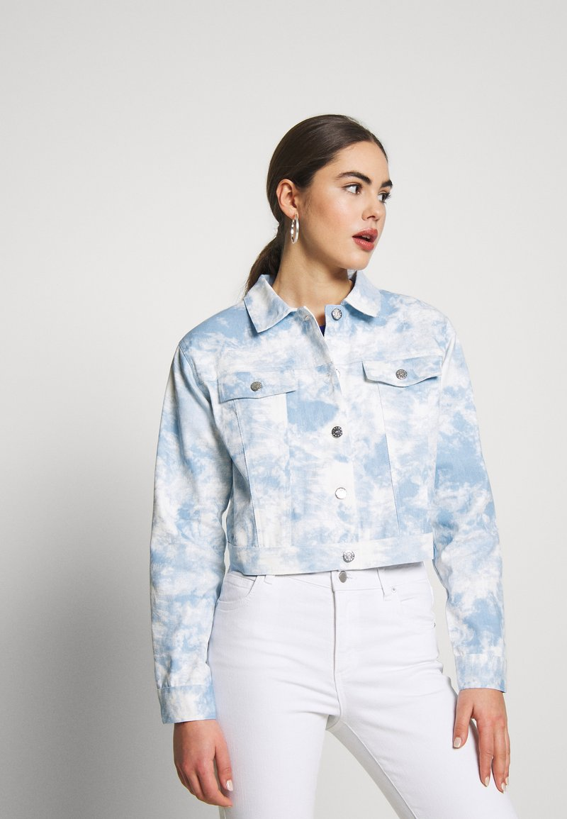 Nly by Nelly - CROPPED TRUCKER JACKET - Denim jacket - tie dye