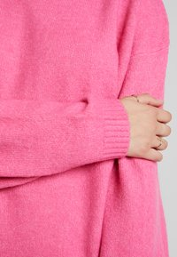 Nly by Nelly - SLEEVE FOCUS - Jumper - cerise - 4