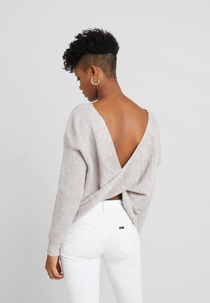 TWISTED BACK  - Trui - grey