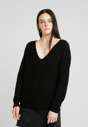 V BACK LACE UP - Strickpullover - black