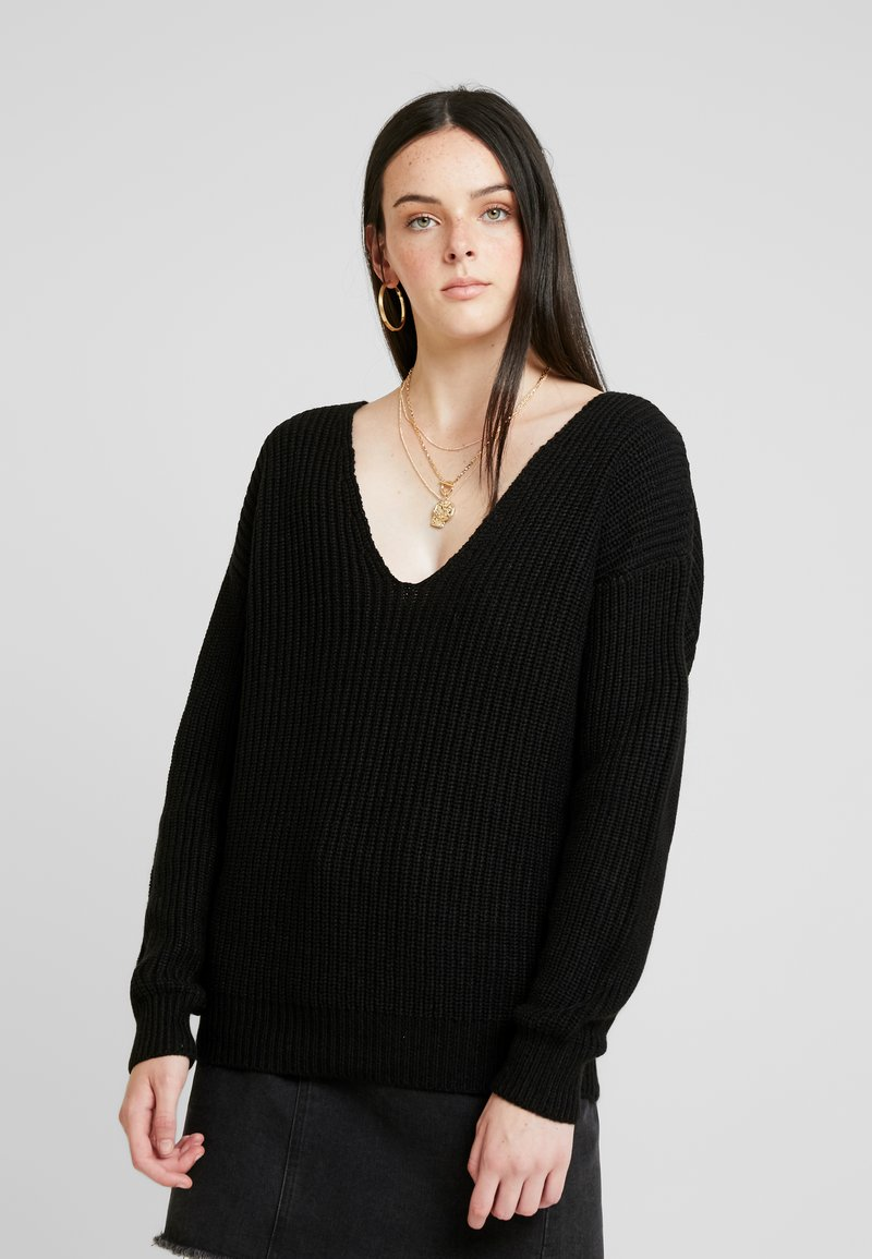 Nly by Nelly - V BACK LACE UP - Strickpullover - black