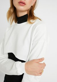 Nly by Nelly - CUT OFF - Sweater - white - 4