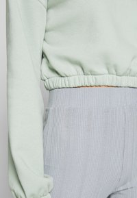 Nly by Nelly - PUFF CROP - Sweatshirt - pistachio - 5