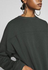 Nly by Nelly - OVERSIZE POCKET - Sweatshirt - offblack - 5