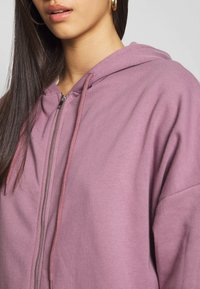 Nly by Nelly - CHUNKY ZIP HOODIE - Felpa aperta - light purple - 5