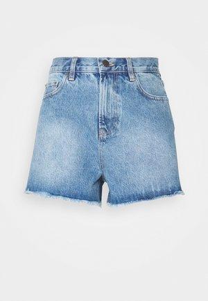 CHEEKY FIT - Jeansshorts - light blue denim