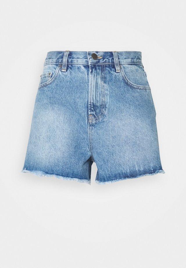 CHEEKY FIT - Džínové kraťasy - light blue denim