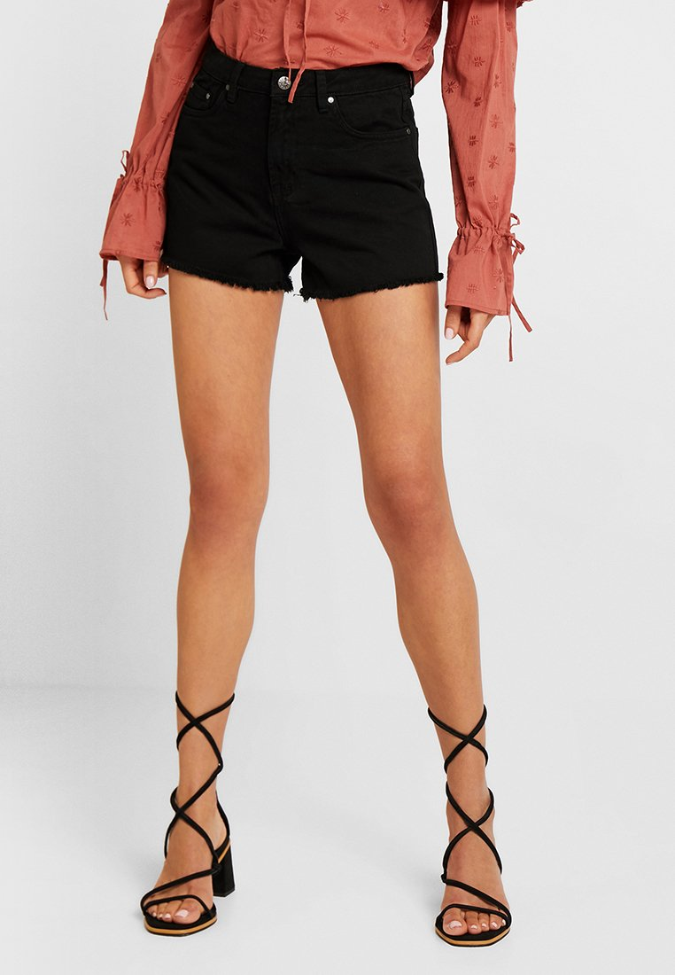 Nly by Nelly - CHEEKY FIT - Jeansshorts - black