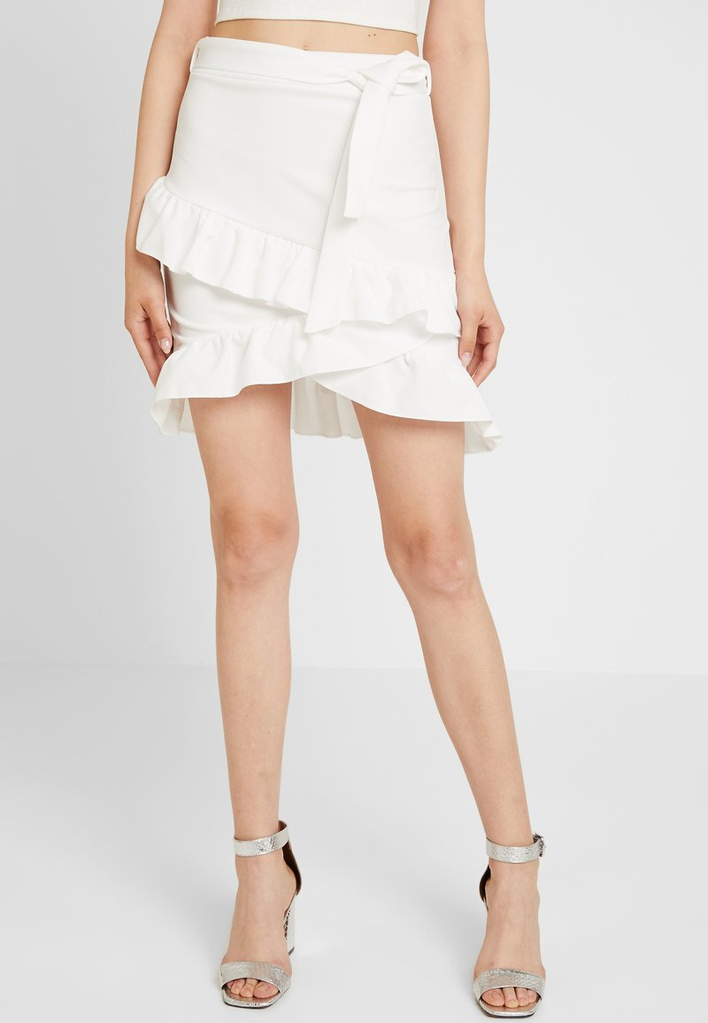 Nly by Nelly - FRILL TIE SKIRT - Mini skirts  - white