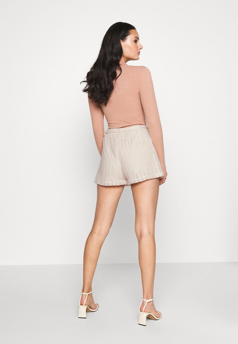 Nly by Nelly - CUTE CROCHET SHORTS - Shorts - beige