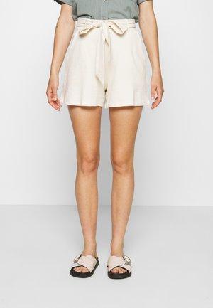 PERFECT TIE - Shorts - creme