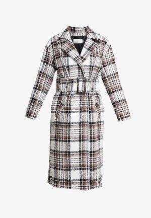 LONG BELTED COAT - Zimní kabát - brown/black