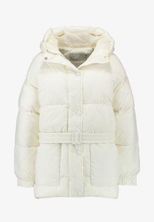 BELTED PUFFER JACKET - Veste d'hiver - white