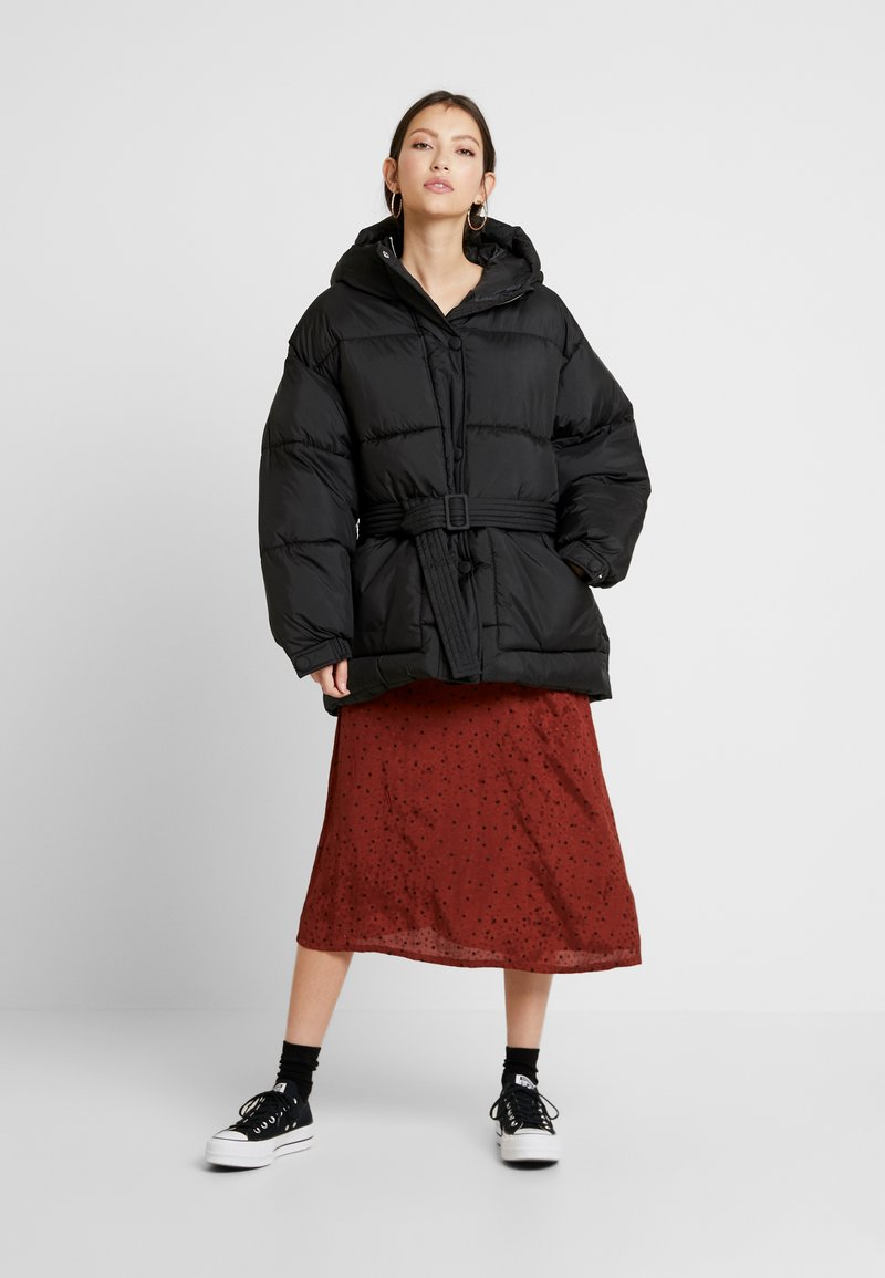 Nly by Nelly - BELTED PUFFER JACKET - Giacca invernale - black