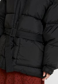 Nly by Nelly - BELTED PUFFER JACKET - Giacca invernale - black - 5