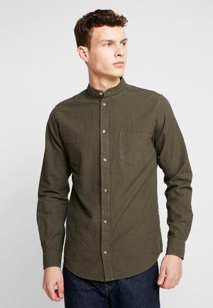 NEBARTEL SHIRT - Overhemd - dark olive