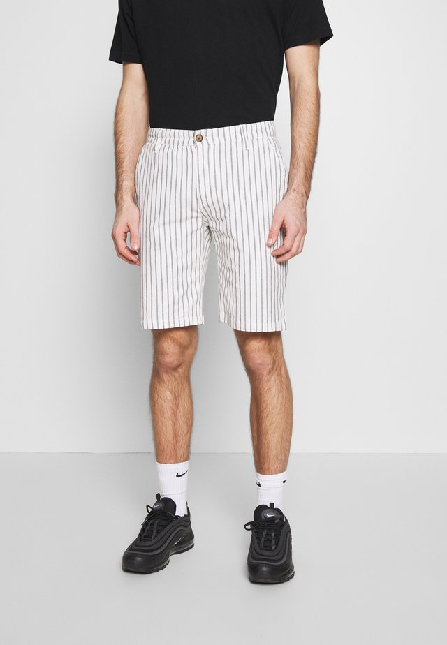 NETEO - Shorts - offwhite