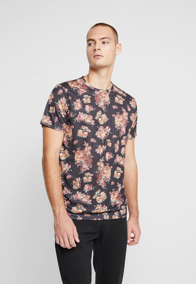 NENILLER TEE - T-shirts med print - black