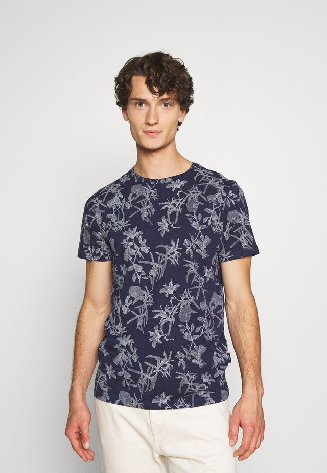 JANNIK TEE - T-shirts med print - evening blue