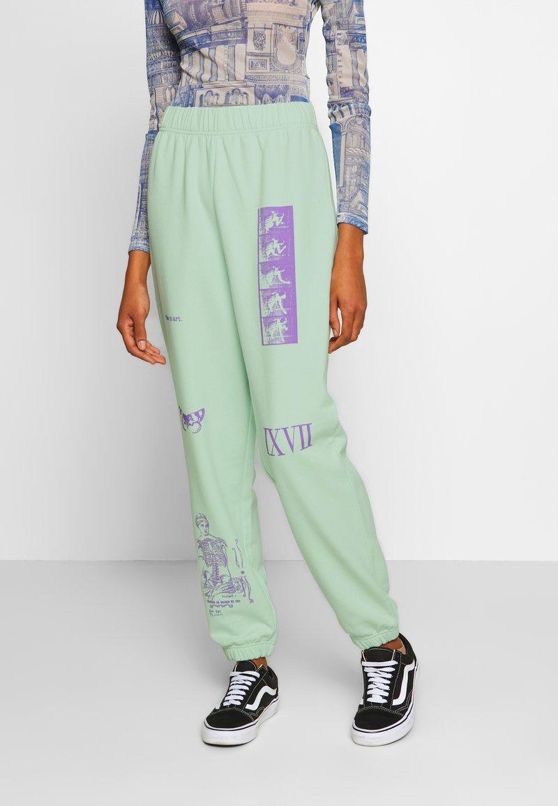 NEW girl ORDER - MIXED ART NUMERAL JOGGER - Teplákové kalhoty - mint