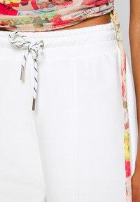 NEW girl ORDER - SEAM JOGGER - Teplákové kalhoty - cream - 4