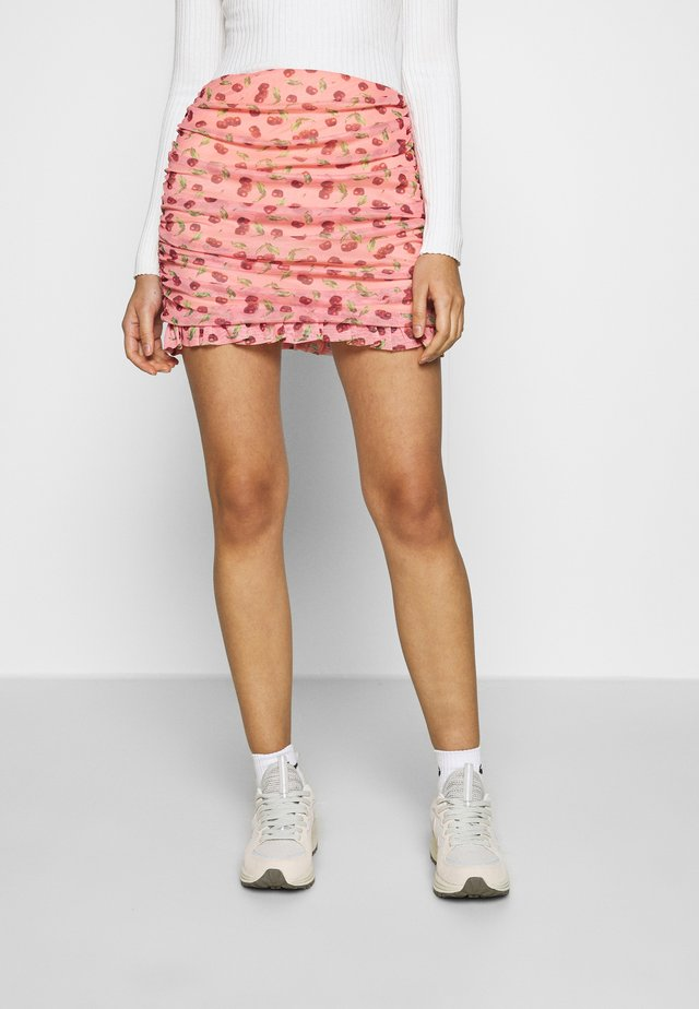 CHERRY RUCHED SKIRT - Gonna a campana - pink