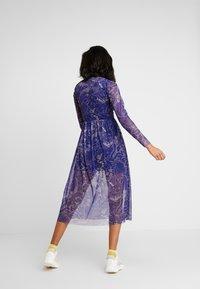 NEW girl ORDER - FLOWER PRINT MIDI SKATER DRESS - Robe d'été - blue - 2