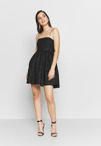 NEW girl ORDER - GLITTER CHAIN STRAP DRESS - Robe de soirée - black - 1