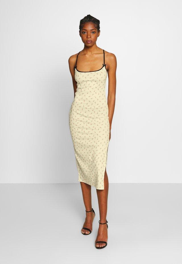 DITSY DRESS - Sukienka etui - beige