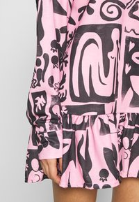 NEW girl ORDER - ABSTRACT FRILL DRESS - Day dress - pink - 5
