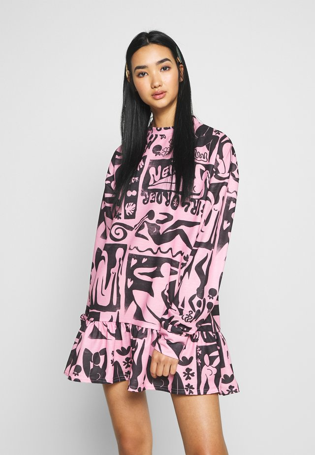 ABSTRACT FRILL DRESS - Korte jurk - pink