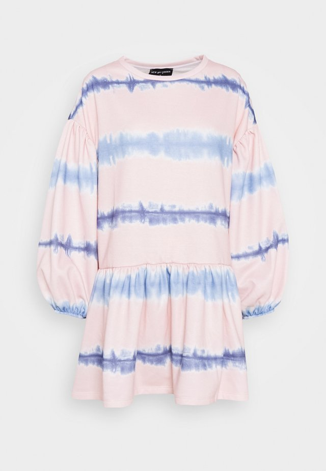 TIE DYE STRIPE DRESS - Day dress - pink