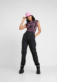 NEW girl ORDER - KANJU TEE - T-shirt imprimé - black - 1