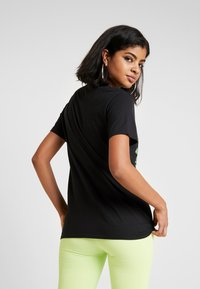 NEW girl ORDER - DOUBLE DRAGON PRINT TEE - T-shirt imprimé - black - 2