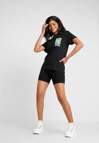 NEW girl ORDER - MOTHER EARTH TEE - T-shirt med print - black - 1