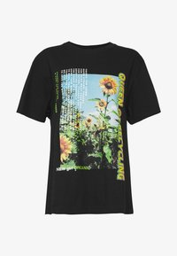 NEW girl ORDER - QUEEN OF RECYLING CLACK  - Print T-shirt - black - 3