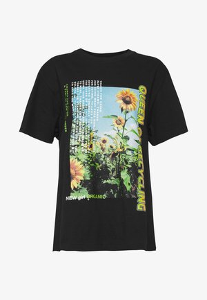 QUEEN OF RECYLING CLACK  - T-shirt med print - black