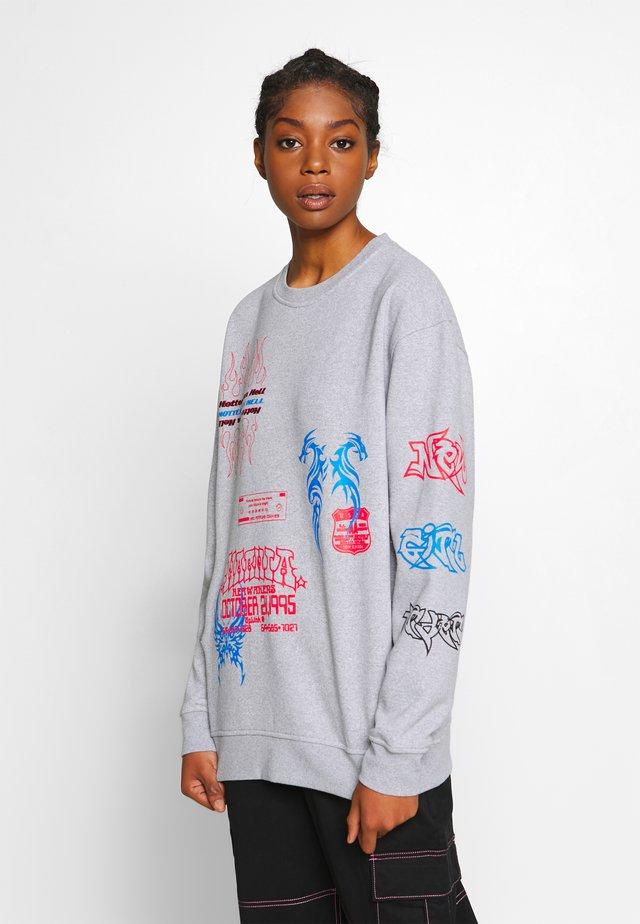 I LOVE - Sweatshirt - grey