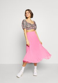 NEW girl ORDER - CHECK RUCHED FRONT PUFF SLEEVE  - Bluser - Pink/green - 1