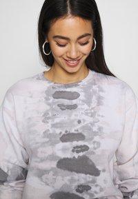 NEW girl ORDER - TIE DYE  - Sweatshirt - grey - 3