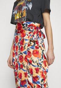Never Fully Dressed - JASPRE DITSY PRINT SKIRT - Wrap skirt - orange - 4