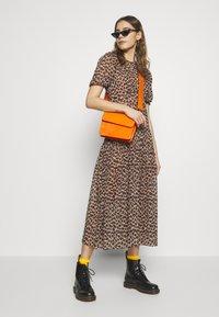 Never Fully Dressed - LEOPARD LUCIA SHEER DRESS - Kjole - brown - 1