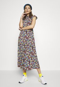 Never Fully Dressed - FLORAL ANDI DRESS - Denní šaty - multi - 1