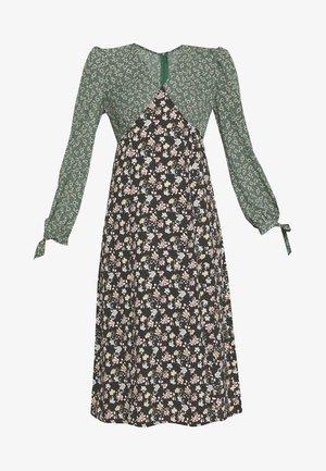 FLORAL CONTRAST LONG SLEEVE PATCHI DRESS - Denní šaty - green