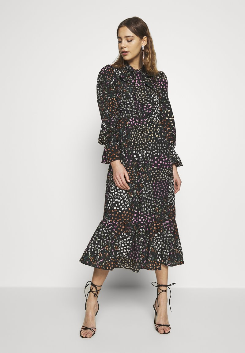 Never Fully Dressed - MEADOW PRINT DRESS - Denní šaty - black
