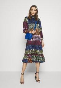 Never Fully Dressed - PRINT MODEST DRESS - Kjole - multi - 1