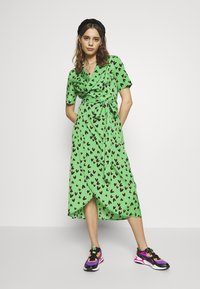Never Fully Dressed - HEARTS BROOKLYN DRESS - Day dress - green - 0